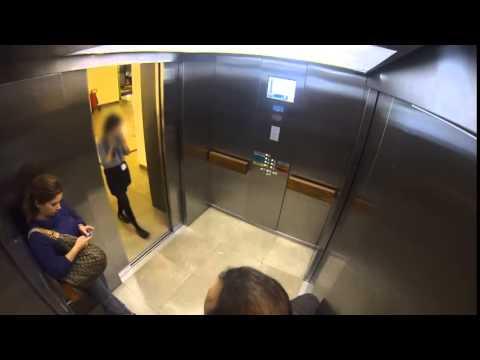 Asansörde Kadına Şiddet Deneyi