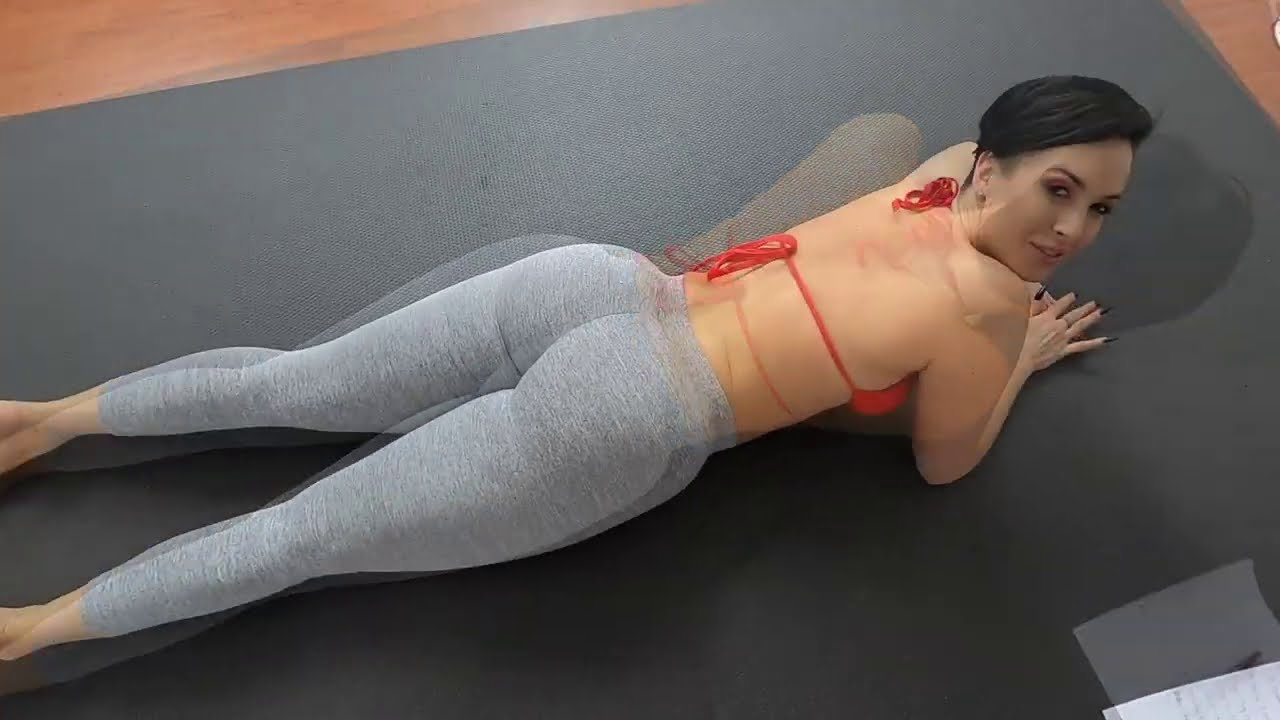 Zahra Elise : Abs, Legs & Glutes Work Out