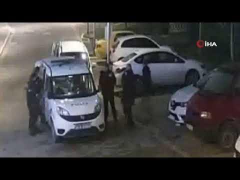 Esenyurt'ta dehşet anları! 2 polis kadını darbetti 3 polis izledi