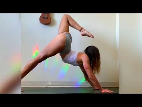 Sexy yoga girl flexibility, stretching, splits, flexible girl hot yoga exercise at home ???? #shorts